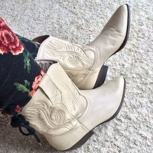 Vintage GUESS Georges Marciano Leather Boots